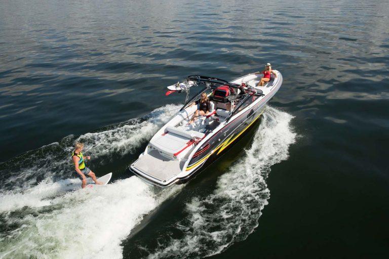 su kayağı wakesurf wakeboard teknesi Formula