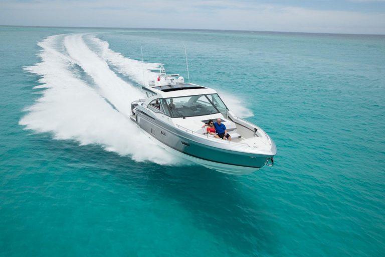 offshore tekne FORMULA 430 Super Sport Crossover Outboard