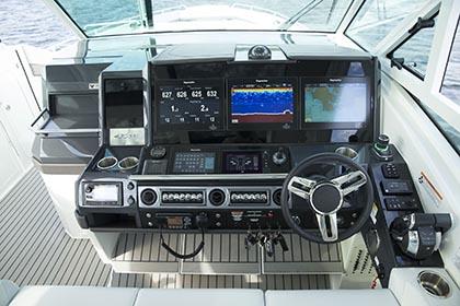 4300 SSC offshore motoryat kumanda konsolu