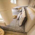 Teknede çift kişilik yatak