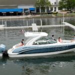 Lüks gezi teknesi Formula 310 Bowrider