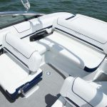 Formula 240BR teknede hareketli koltuklar