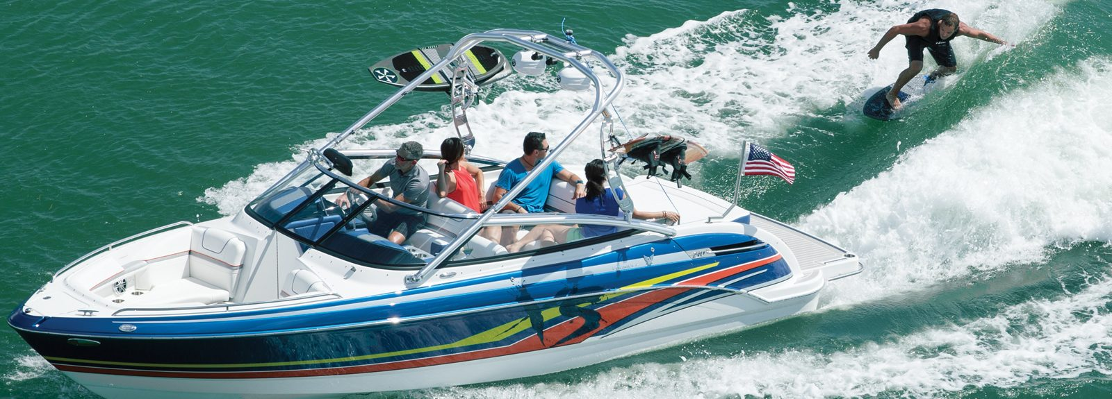 wakesurv ve su kayağı teknesi Formula XS 240