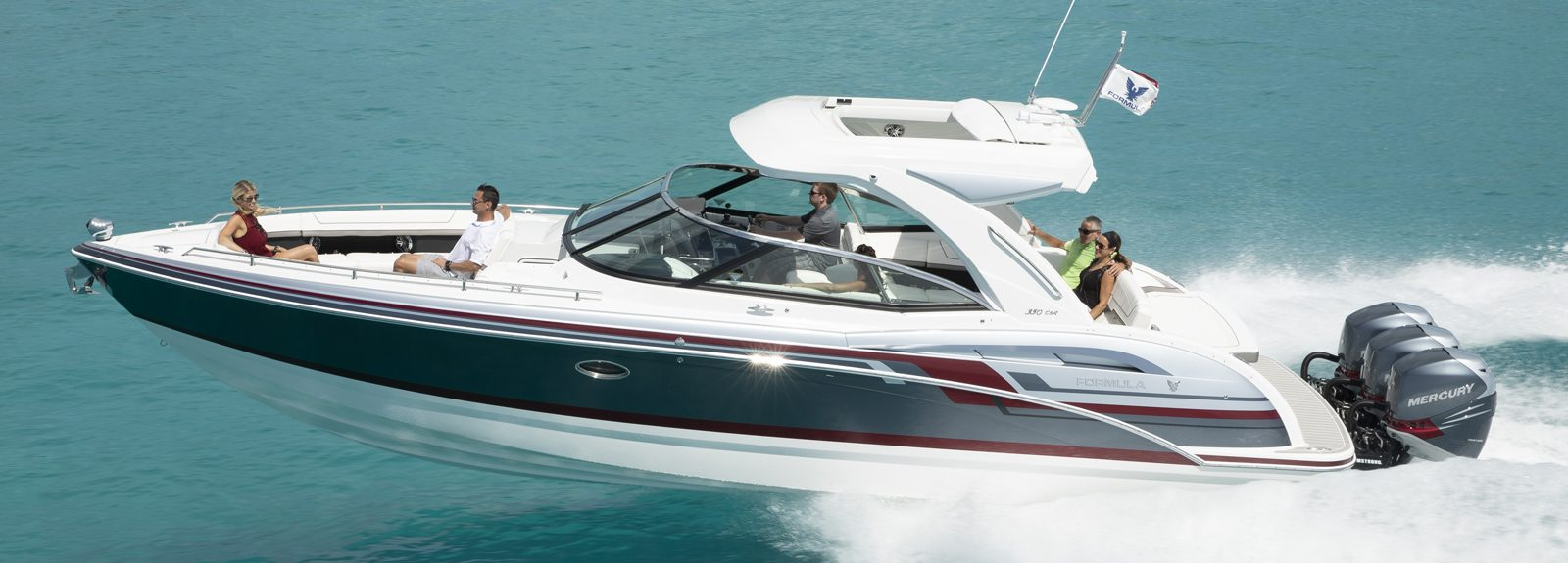 kamaralı-lüks-tekne-bowrider-Formula-350CBR